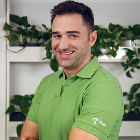 Dr. Dan Straja